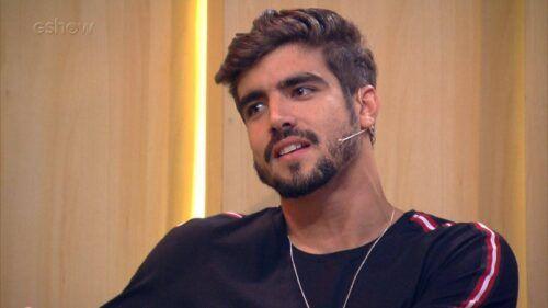 Caio Castro totalmente nu mostrando o pau/pênis/pinto.