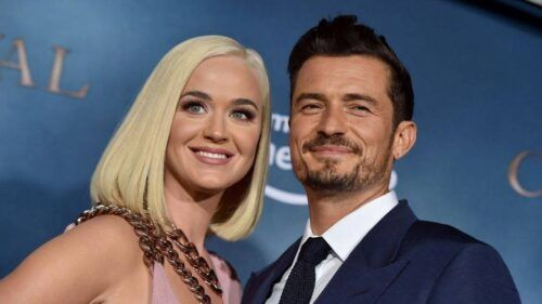 Orlando Bloom totalmente pelado, mostrando o pau/pênis/pinto, ao lado de Katy Perry.