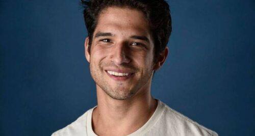 Tyler Posey, ator de 'Teen Wolf', se masturbando.