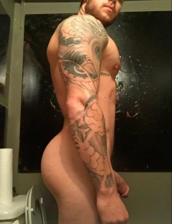 corpo-gostoso-do-famoso-pelado-em-fotos-mostrando-tudo-nu