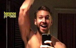 Nudes do DJ Calvin Harris pelado vaza no Twitter