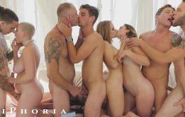 Orgia com gays e mulheres vadias